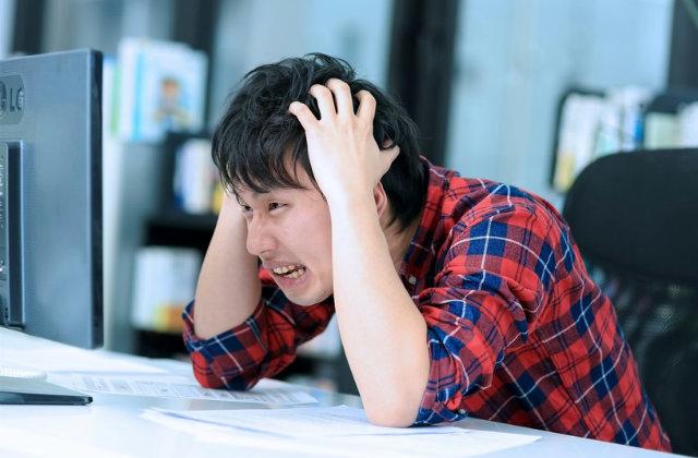 後頭部の頭痛で困ってるなら必ず知っておきたい!後頭部が痛いときの原因と予防法