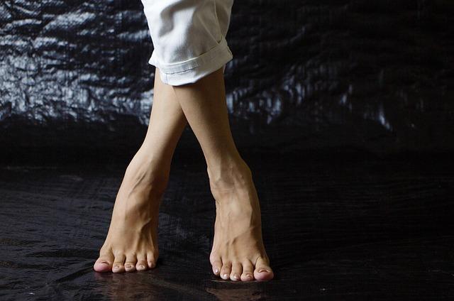 間違い!骨盤の歪みを治すのに足を組み替えてもムダです