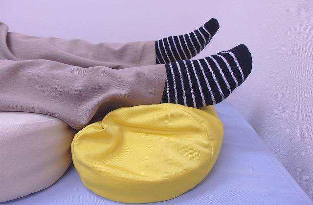 骨盤の専門家が教える!寝てて腰が痛い人に一番役に立つアイテムとその使い方