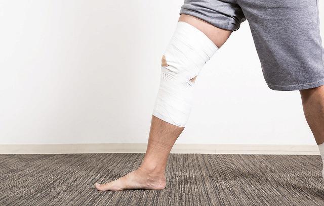 膝に水がたまる原因と治療!何度も膝の水を抜いてる人はまずこの3つやってみて