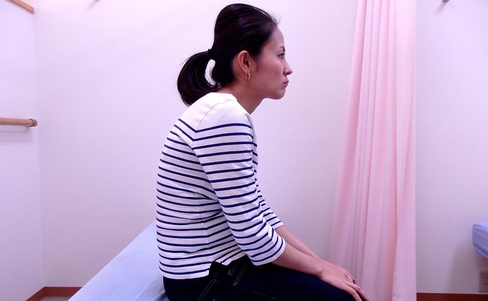 姿勢を良くする方法!肩こりの原因となる姿勢と改善法について