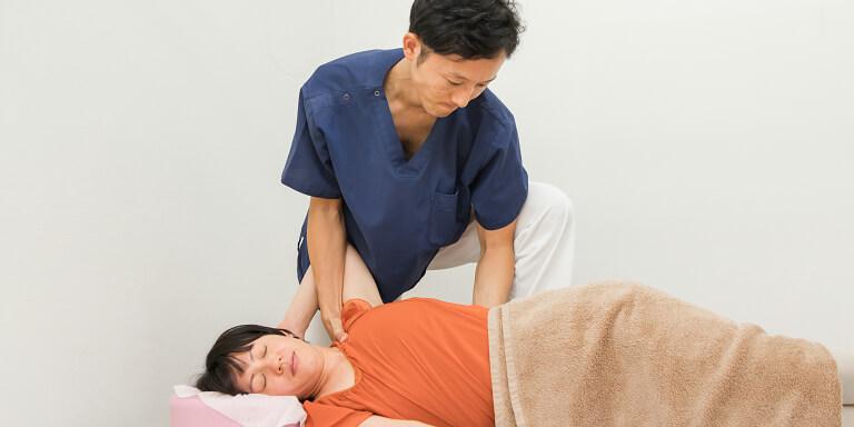 頚椎や背骨の矯正