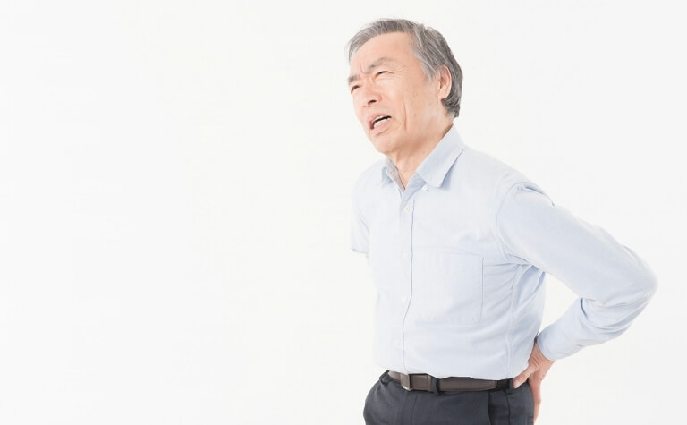 脊柱管狭窄症は50代以降に多く発症